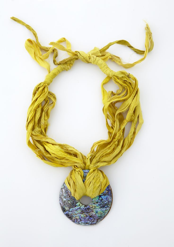 Necklace with shantung silk and murano glass
