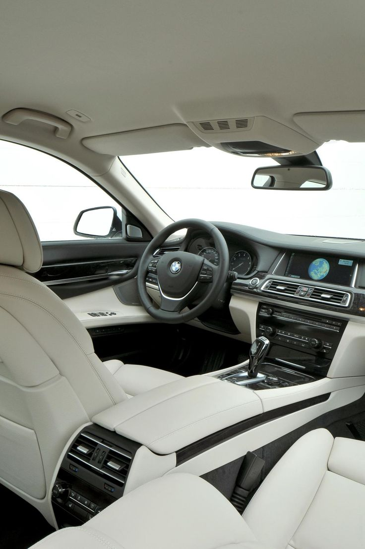 2013 BMW 7 Series...  Srsly, the white is a bit much, but oh, it is pretty.