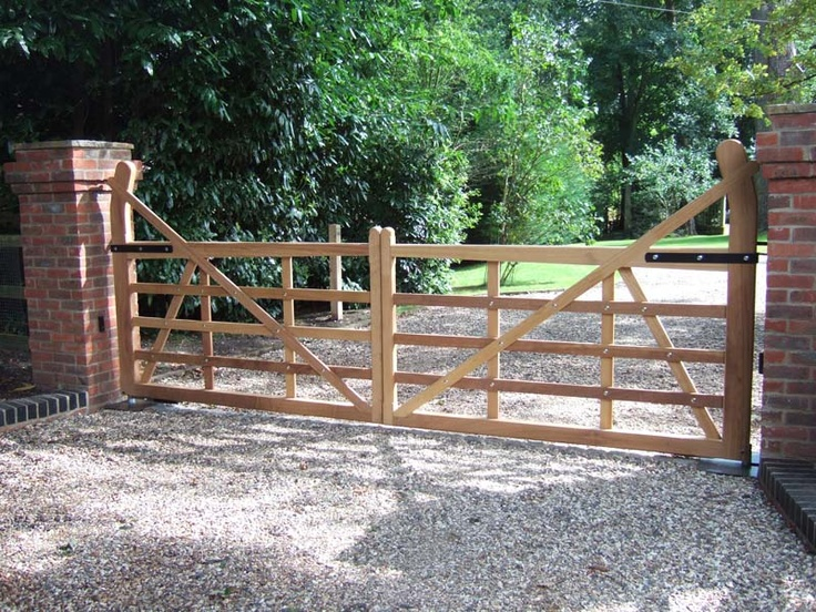 1000 Ideas About Wooden Driveway Gates On Pinterest