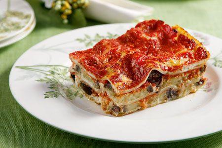 Λαζάνια με μελιτζάνες, ντομάτα και φρέσκια μυζήθρα - Συνταγές   γαστρονόμος