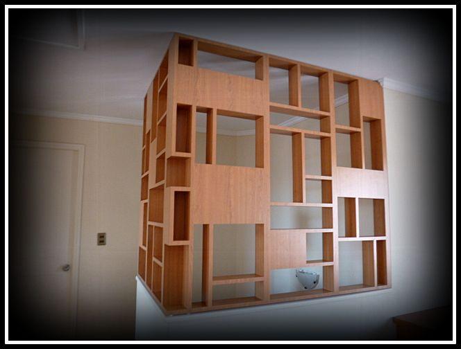 Biombo enchapado para cubrir espacio en caja escala.