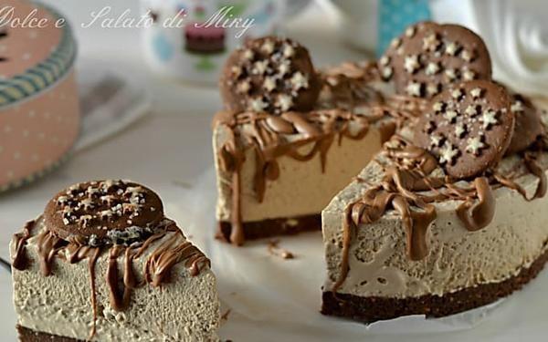 Torta pan di stelle al cioccolato, torta fredda senza cottura