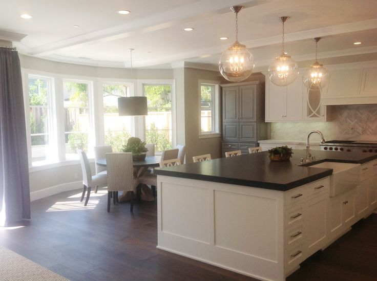 transitional kitchen + blue and white kitchen