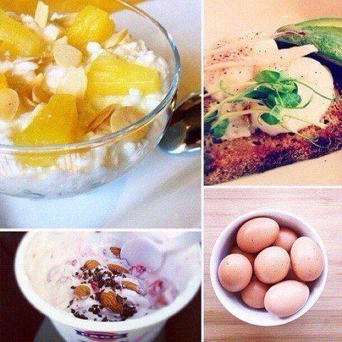 """10 самых полезных завтраков, за которые организм скажет вам """"спасибо"""".   1. Овсянка с черникой и миндалем. С точки зрения сбалансированного питания - это прекрасное начало дня. Добавьте в овсянку размороженную чернику, тертый миндаль, посыпьте все корицей и положите немного меда. Эти продукты богаты питательными веществами, протеином и клетчаткой.  2. Мюсли. Добавьте ягод, йогурта или молока, и полноценный завтрак готов!  3. Яичница с зеленью или омлет с овощами. Этот завтрак походит для…"""