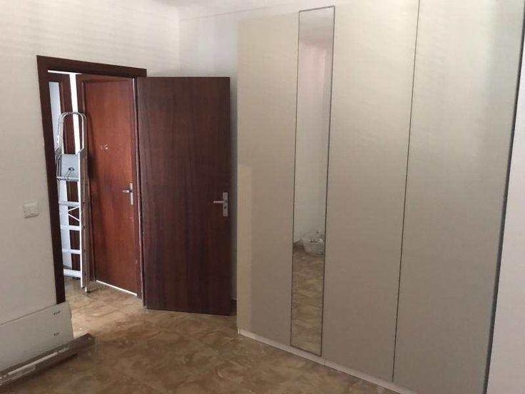 115m² Wohnung mit ausgestatteter, neuer Küche und Balkon: Die Ausstattung dieses Objektes Wohnung im 5. Stock in Palma im Stadtviertel Bons Aires. Die Wohnung verfügt über 3...