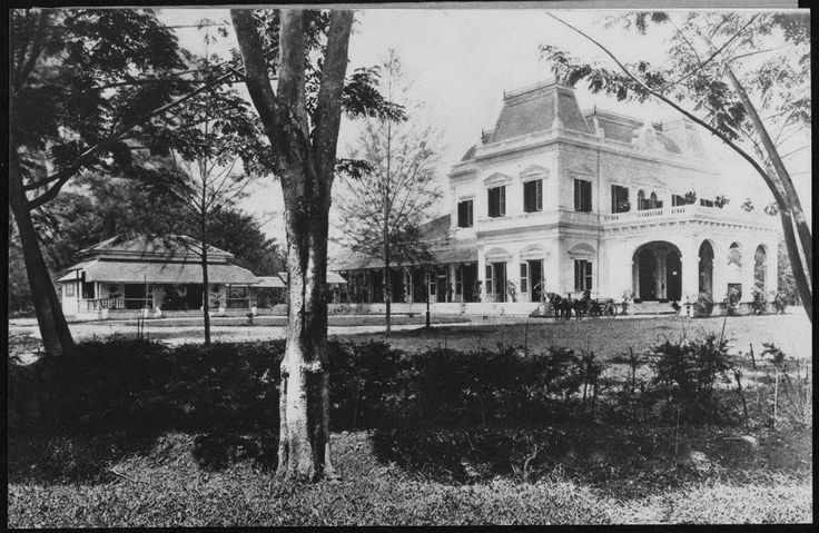 1880-1908 The house of the resident of Medan