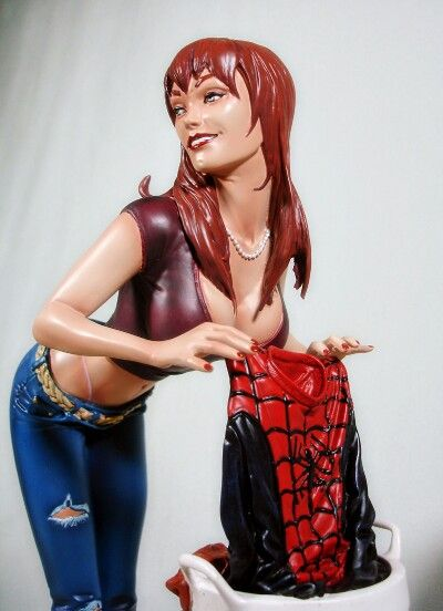 Sideshow Collectibles Mary Jane Watson Statue