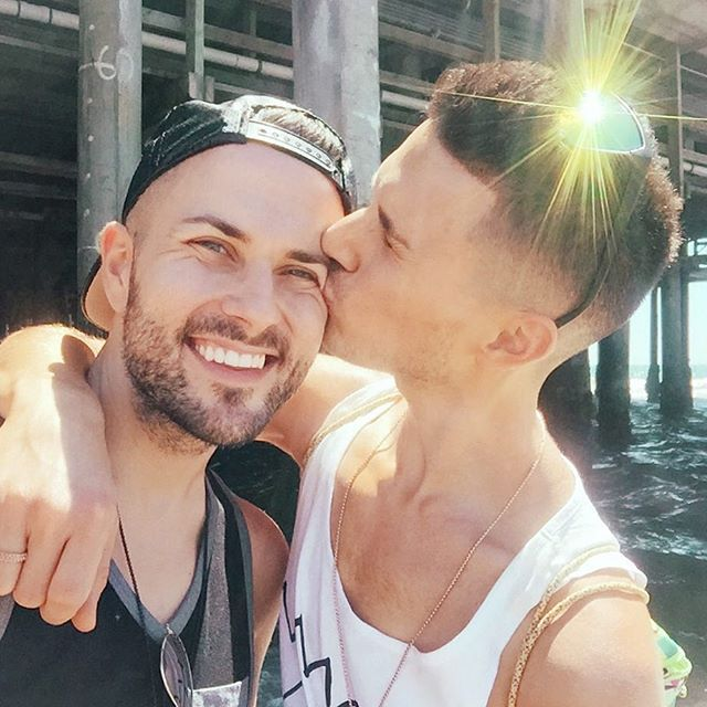 Desi Homosexuell Kuss