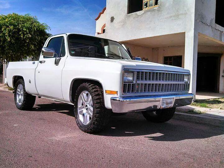 1982 Chevy Truck - LMC Trucklife