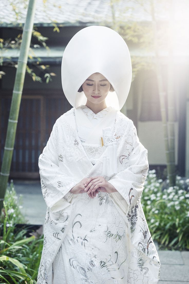 白無垢 流水牡丹 Shiromuku Ryusui botan