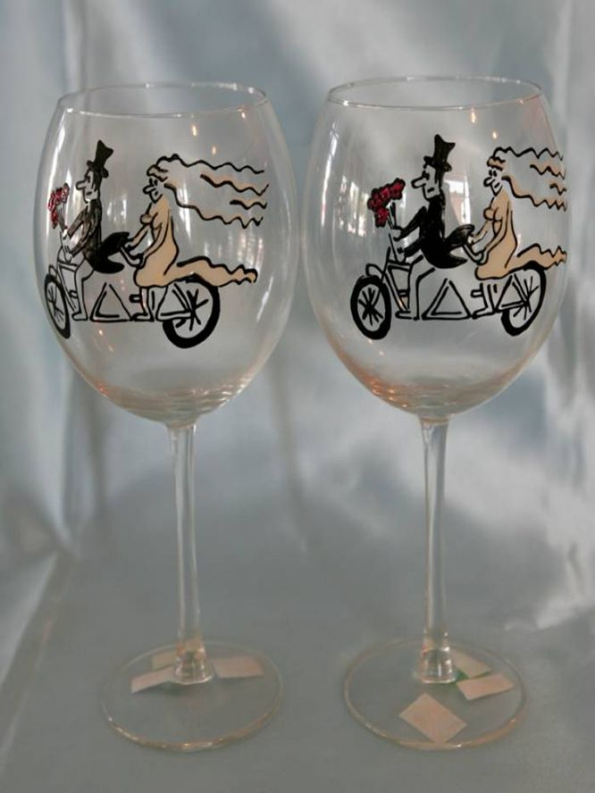 Lenka . Exclusive hand-painted wedding cups by Juliana Hamajdak. www.malovaneumenie.sk