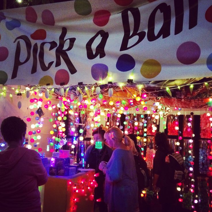 Pick a ball (Fringe Festival - Adelaide, South Australia)