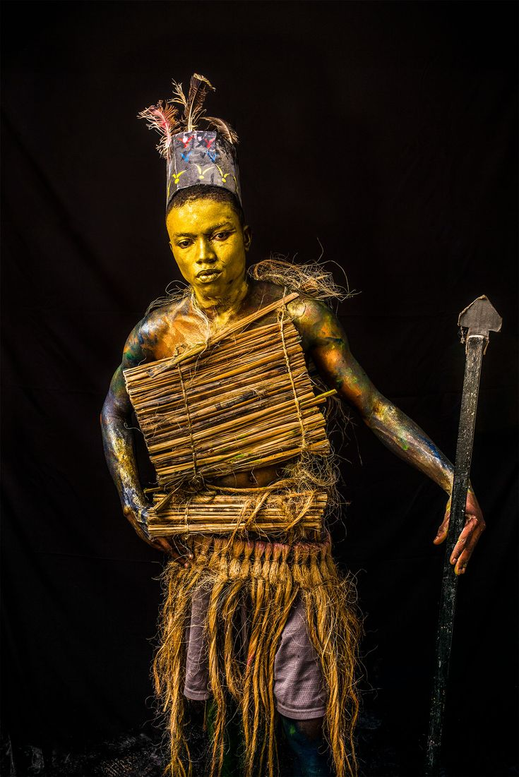 Picture of a person dressed up for karnaval