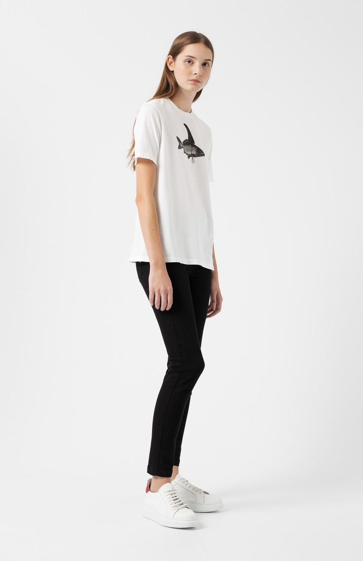 Pez white T-shirt. White short-sleeve T-shirt, straight cut. 100% cotton. Screen printed motif in black. Regular fit.