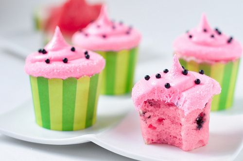 One of course being these cute and delicious looking watermelon cupcakes above, which feature both watermelon flavored cake and frosting with black sprinkles and tiny chocolate chips. Description from macaronsandstilettos.com. I searched for this on bing.com/images