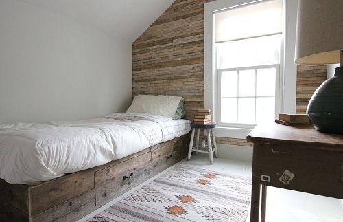 small, wood, crisp, light, simple. like it