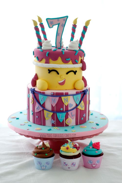 Check out this tutorial on how to make a Shopkins Cake.