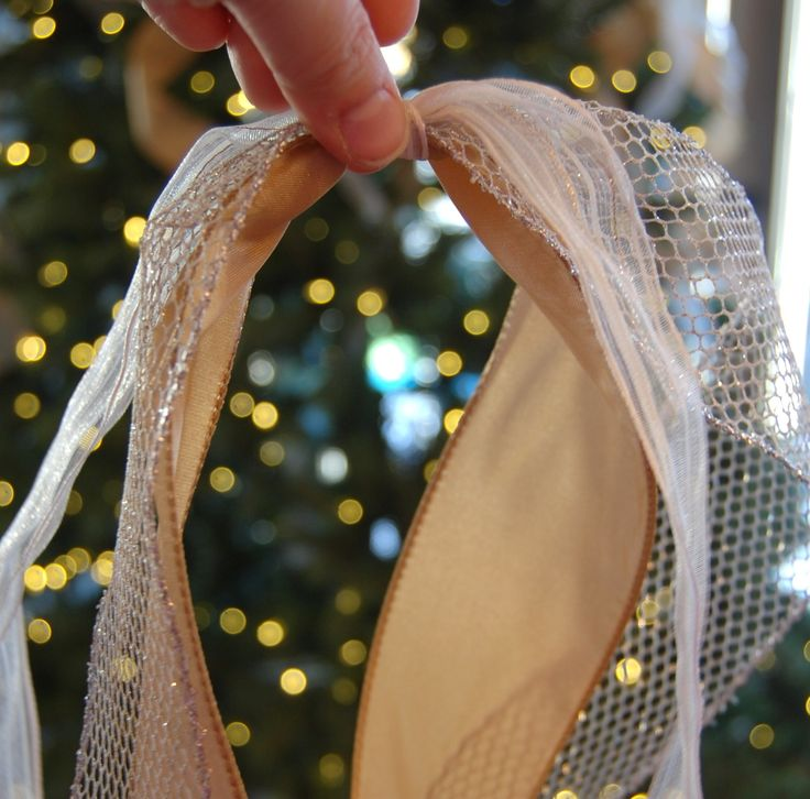 How to add ribbon to your tree. A Pop of Pretty, apopofpretty.com