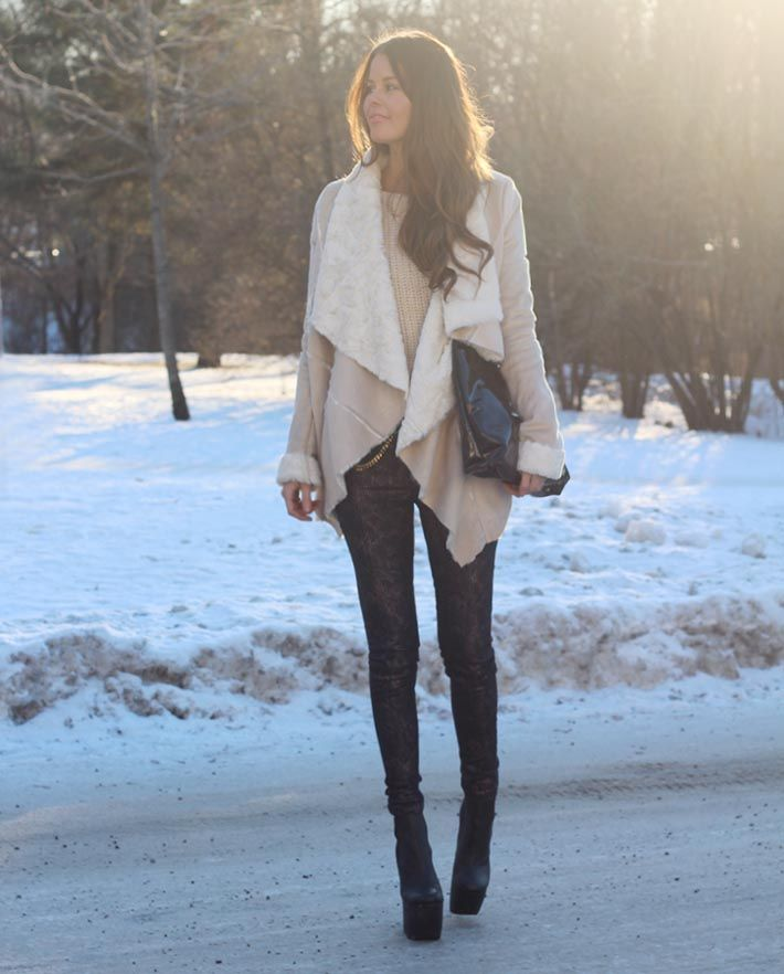 Pair an oversized waterfall collar with skinny jeans and fitted ankle boots for a perfectly proportional outfitl.