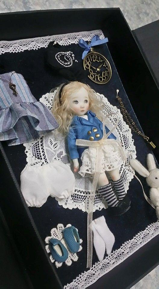 set de la muñeca Alicia.