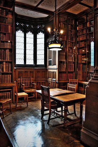 Reading room, John Rylands Library by gary995, via Flickr