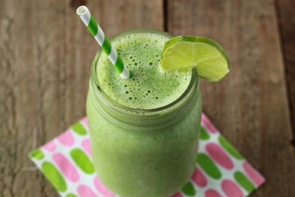 Ovaj zeleni sok (smoothie) koji vam predlažemo prepun je vlakana, minerala i vitamina te predstavlja fantastičan jutarnji obrok. Svi već znamo da voće i povrće pomaže pri mršavljenju, a ako biste ž…