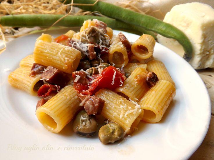 Pasta con Fave Pecorino e Pancetta http://blog.giallozafferano.it/rocococo/pasta-con-fave-pancetta-e-pecorino/