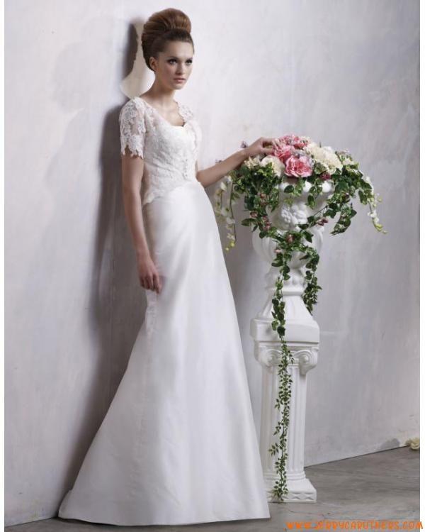 bescheiden taf trouwjurk met kanten jasje