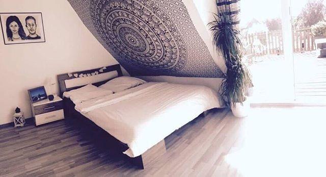 KarmandalaDE posted to Instagram: Beneidenswert gemütliches Schlafzimmer 👌 B…