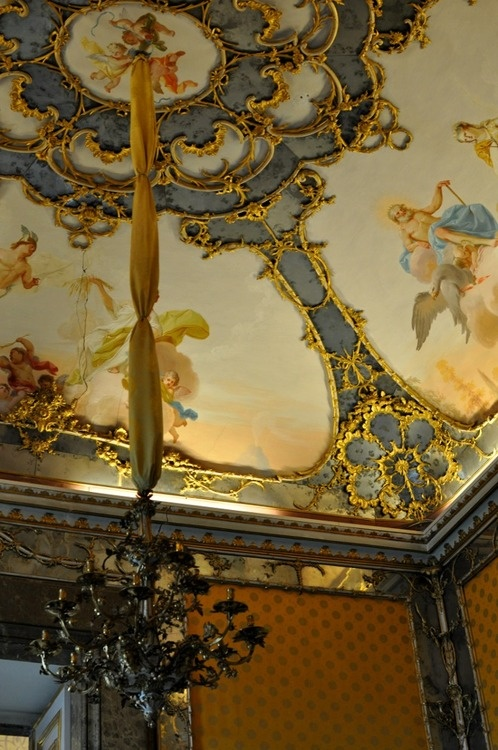 160 best artistic plaster and moldings images on pinterest architecture ceilings and classic - Interior designer caserta ...
