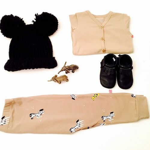 Cool styling from Ministyling @ CITYMOM.nl // Gap black PomPom Hat // Noeser Pants // Tough Cookie Store Mocs // Noeser Cardigan