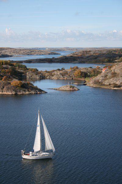 Für Camper gibt es an der Ostsee wunderschöne, abgelegene Schlafplätze. Eine Reise entlang der Küste - von der Insel Poel über Polen bis ins schwedische Fischerdorf Smögen.
