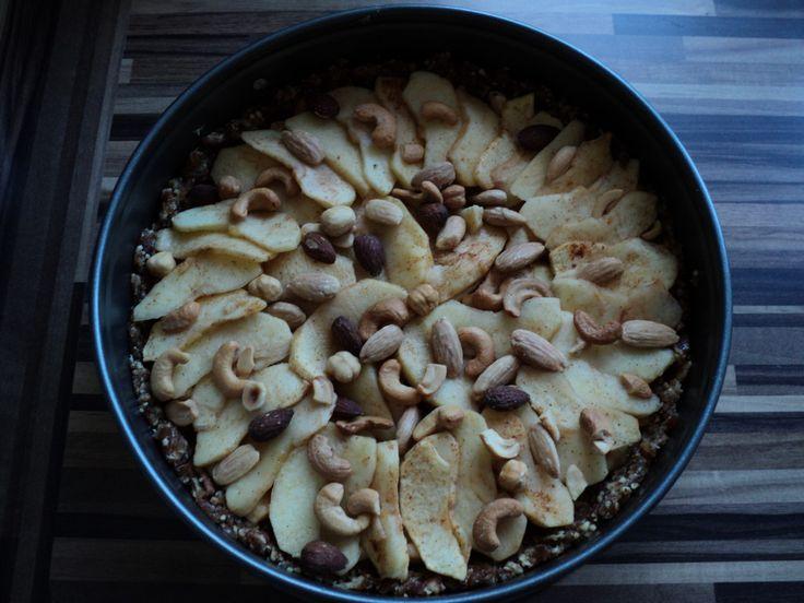 Deze week een 'gezonde' en smaakvolle appeltaart gemaakt, hoera het kan echt!! Ik zal jullie niet langer in spanning houden, bij deze het recept: Voor de t