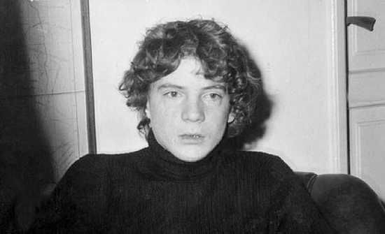 In July 1973 John Paul Getty III was kidnapped and held for a 17 million $ ransom. His relatives believed he staged his own kidnapping until they received lock of his hair and severed ear in the mail. JPG Sr would only pay the amount of the ransom that was tax deductable. JPG III was released by his captors, and found the week before Christmas. Several years later he had surgery to reconstruct the severed ear. He became disabled due to drugs and remained in poor health until his death in…