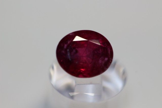 GIA CERTIFIED AMAZING PURE RED UN-TREATED RUBY 2.28 CARATS  NATURAL RUBY GEMSTONE FROM  GEMROCKAUCTIONS.COM