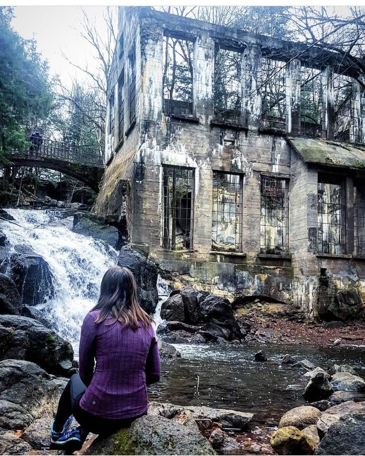 You Can Explore This Abandoned Ruin Near Toronto That Was Once A Mad Scientist's Workshop | Narcity Toronto