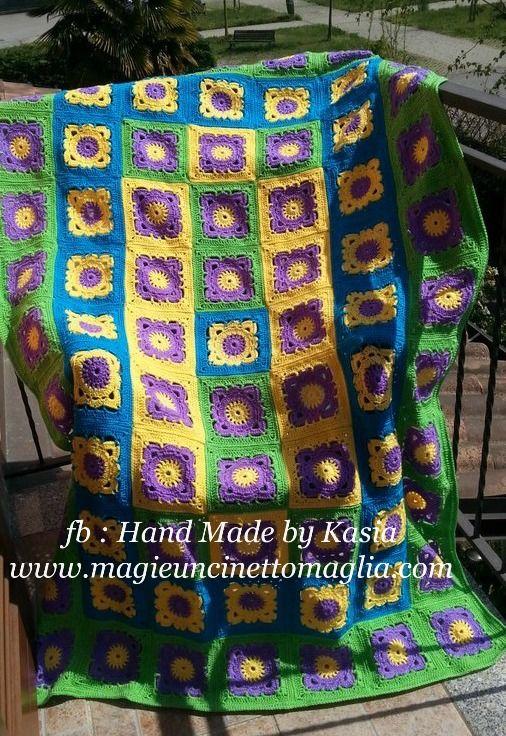 spring blanket 178 cm x 114 cm; lana vergine, acrilico, viscosa; created by Kasia Waszkiewicz