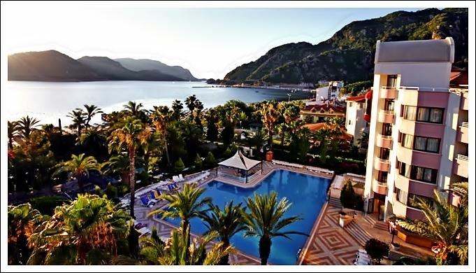 Marmaris Aqua Hotel hakkında detaylı bilgi, ekonomik erken rezervasyon fırsatları ve konaklama seçenekleri için 0256 612 6600 ı arayın.