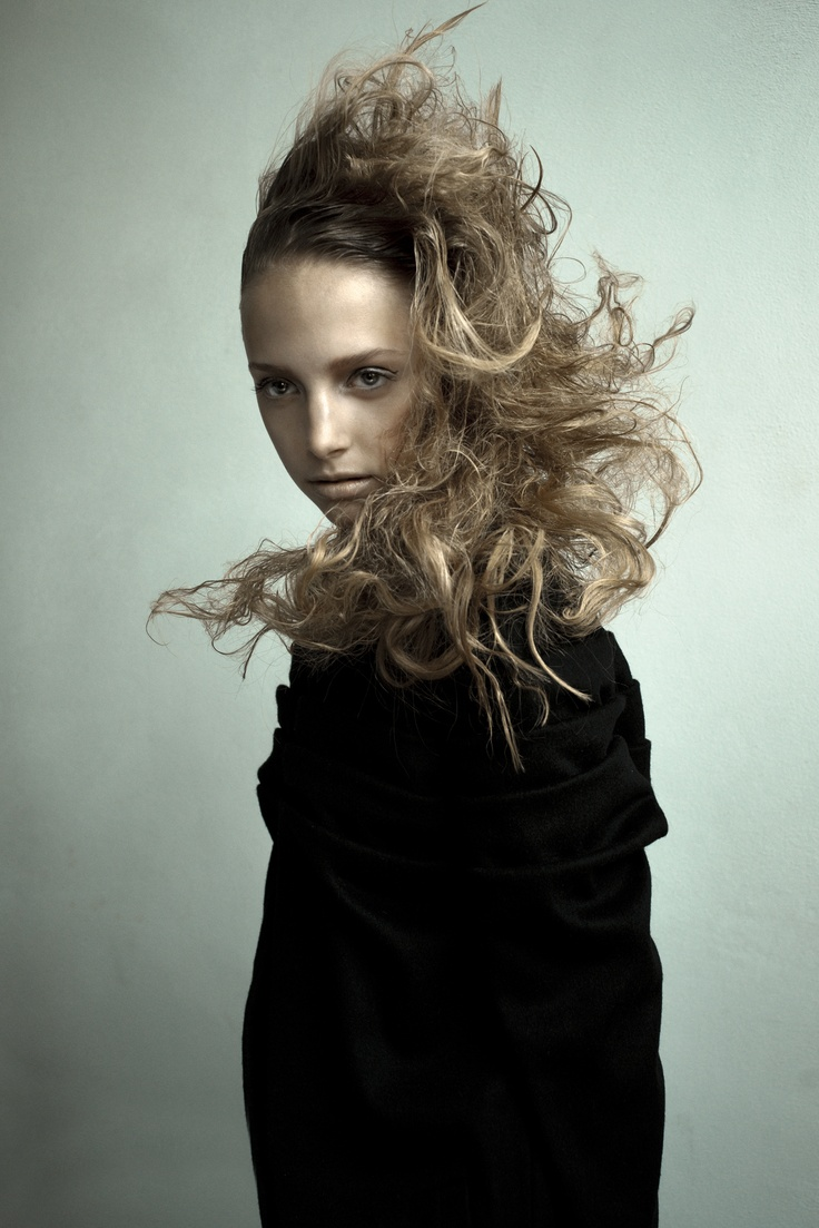 photography: Frank de Graaf  Styling: Xaviera Aubri & Ellen Uyen  Hair & concept: Tommy Hagen  M-up: Joke Kroon  Models: Kim @ wwmodels, Milou S @ Ulla models, Lauren @ Codemanagement,  Nianga, Jacomien & Yuliya @ de boekers