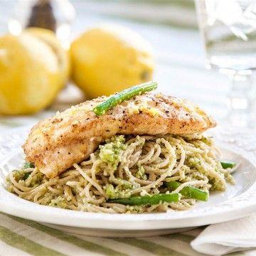 Pestopasta med citronkryddad fisk - Recept - Tasteline.com