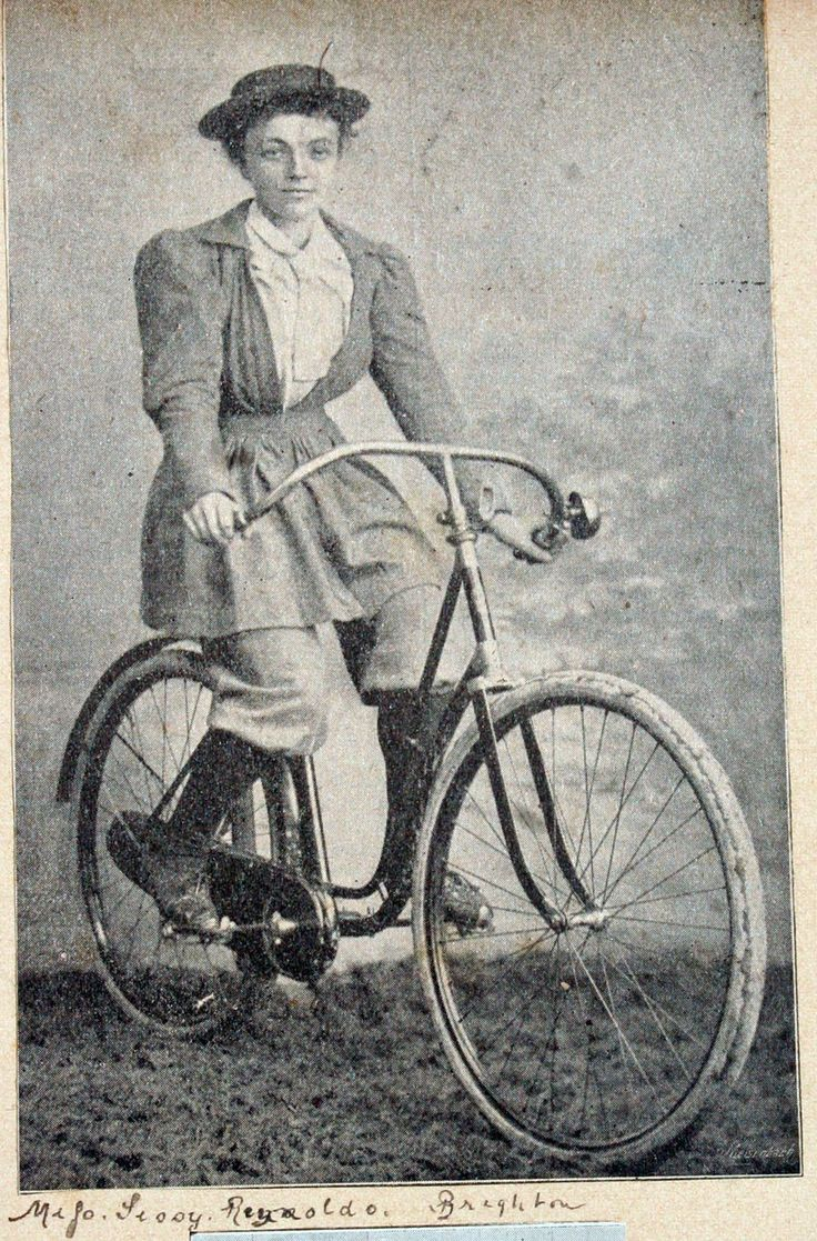 Google Image Result for http://www.oldbike.eu/emancipation/wp-content/uploads/2011/05/brighton_lady_cyclist.jpg