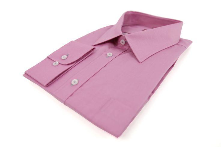 Koszula Omega w kolorze pastelowego fioletu. Idealna na wiosnę do eleganckiej marynarki. Skład: 100% bawełna.