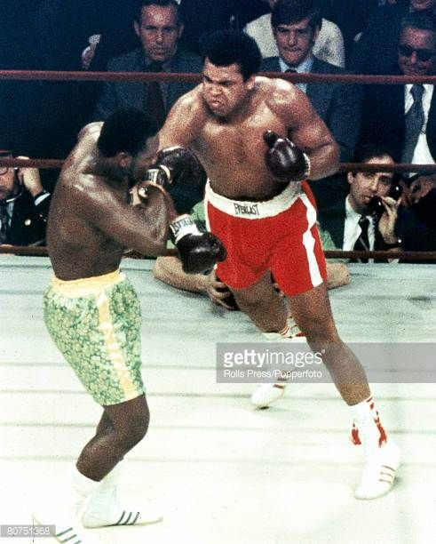 Sport Boxing World Heavyweight Championship New York pic 8th March 1971 Joe Frazier USA left on his way to beating Muhammad Ali to retain the title...