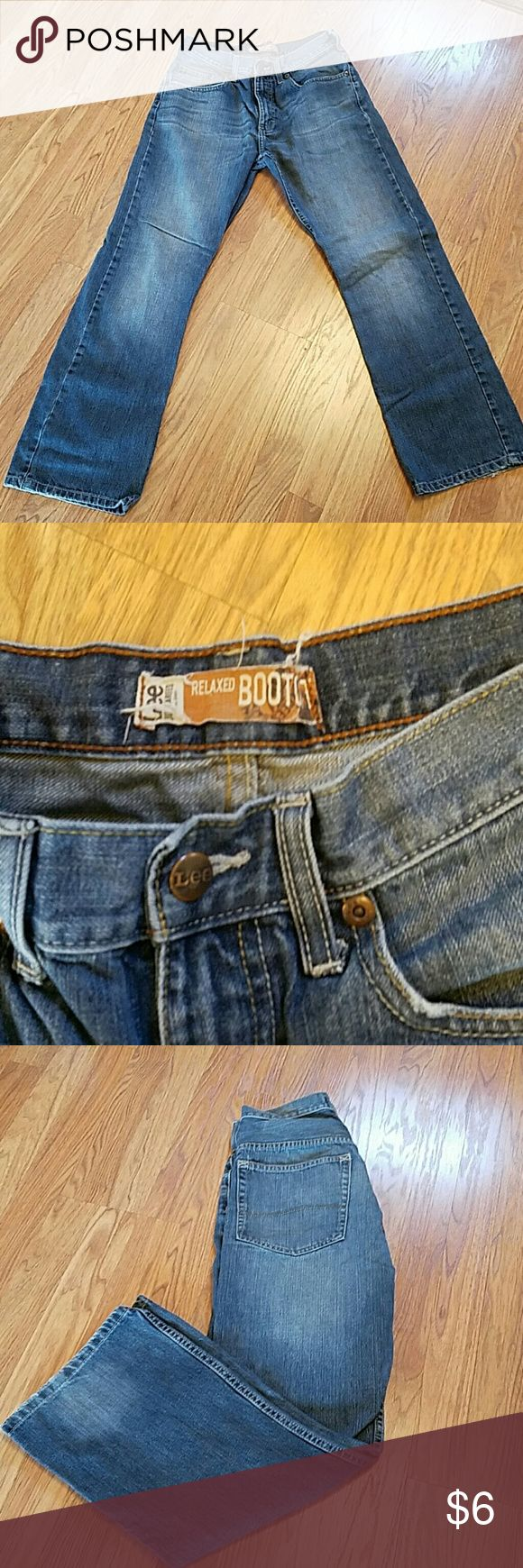 Men's Lee Jeans These are in good used condition.  Some wear at the bottoms and there is a wallet mark on one pocket. 30?30 Lee Jeans Bootcut
