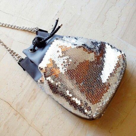 Silver Sequin ClicBucketbag.