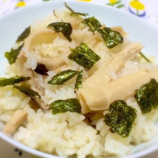 『松茸の味 お吸いもの』を使用して炊き込む、という涙のフェイク料理(笑) もはや騙すのは自分自身! (つД`)ノ - 86件のもぐもぐ - 松茸、、と見せかけてのエリンギ炊き込みご飯 by alkarinemgu15