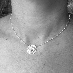 Collier fin Mandala en argent une belle idée-cadeau pour la #fetedesmeres