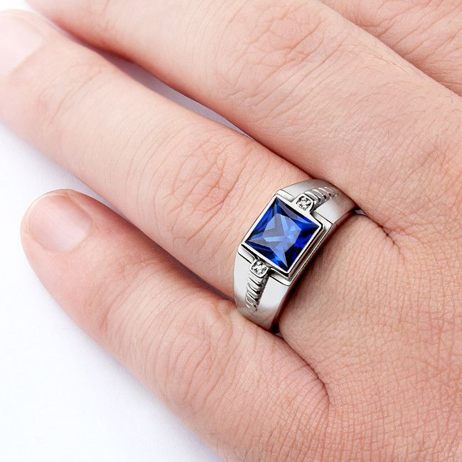 Men's Silver Ring with Natural Diamonds and Blue Sapphire Gemstone #sapphirering #finejewelry #ringforman #mensgemstonering #mensdiamondring #classicmensring #menssilverring #bestmensgifts #mensjewelryfashion