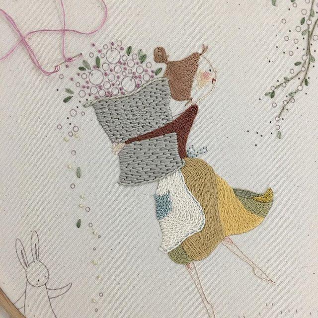 ☕ 자 수 일 기 23 . . . 1 ☕ . . 2 바구니 손 좀 봅시다 . . . . . #illustration #embroidery #art #lovely #spring #fruit #수이야기 #봄 #동화 #일러스트 #그림 #스케치 #디자인 #아트 #핸드메이드 #자수 #작업실 #광목 #인테리어 #소품 #바느질 #창작도안 #자수도안 #프랑스자수 #자수타그램 #데일리 #힐링 #내츄럴 #수이야기