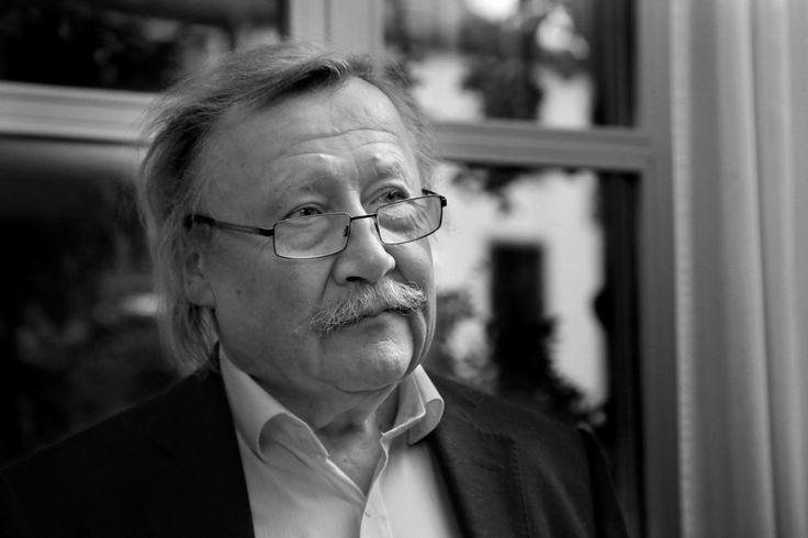 Peter Sloterdijk.  Esferas y  Normas y disturbios en el parque humano. Adolfo Vásquez Rocca